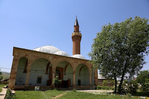 Ferahşad Bey Cami'de 500 yıllık gelenek
