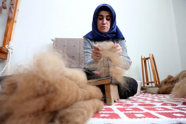 Ehram üniversiteli kızların ellerinde hayat buluyor