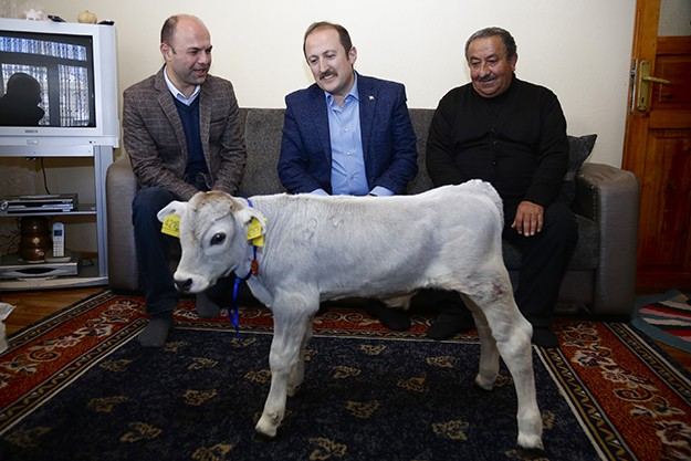Bakan Fakıbaba'dan Bayburtlu çiftçiye teşekkür