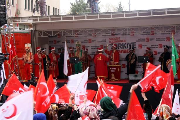 Mustafa Kamalak Bayburt'ta