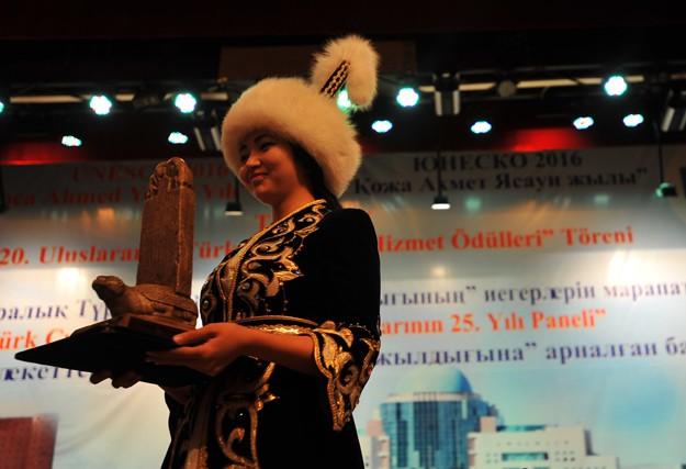20. Türk Dünyasına Hizmet Ödülleri Türkistan'dan verildi