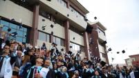 Bayburt Üniversitesi'nde mezuniyet sevinci