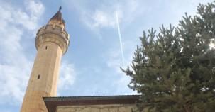 Minaresi yıkılmak üzere iken vakıf eli değdi