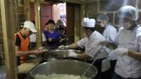 Taşhan'da 300 kişilik iftar sofrası