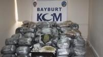 Bayburt'ta dev operasyon: Tam 372 kilo esrar!