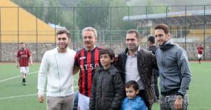 Final maçının startını Çalhanoğlu kardeşler yaptı