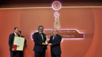 Prof. Koçan, TBMM Onur Ödülü'nü aldı