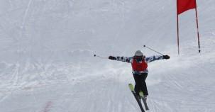 Kayakçılar kıyasıya yarıştı