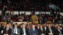 Ülkücüler Ahmet Şafak'la coştu