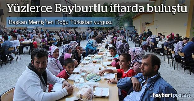 Yüzlerce Bayburtlu 'Ramazan Sofrası'nda buluştu