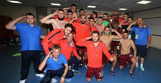 """""""Ruhumuz Türk askerinin yanında"""""""