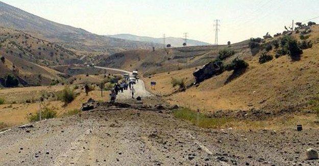 Siirt'te askeri araca bombalı saldırı: 8 şehit
