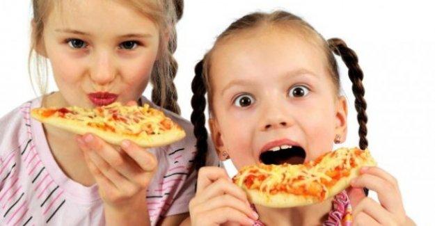 Fast food, çocuklarda kronik hastalık nedeni