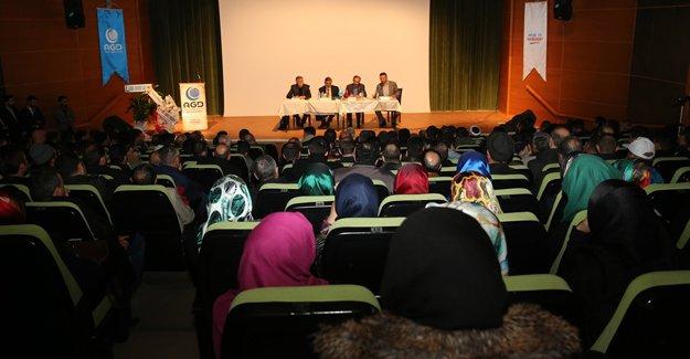 Anadolu Gençlik'ten '28 Şubat' sempozyumu