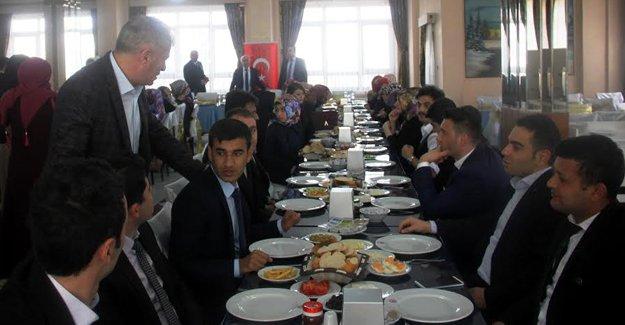 Başkan Memiş öğretmen adaylarıyla buluştu
