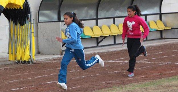 Atletizmde kazanan okullar belli oldu