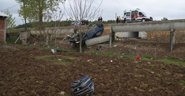Bayburt'a taziyeye gelen araç kaza yaptı: 1 Ölü, 2 Yaralı