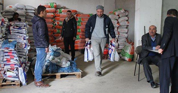 5 köyde 260 çiftçiye yem ve tohum desteği