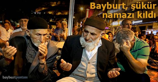 Bayburt'ta binler şükür namazı kıldı