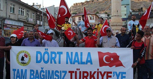 Ciritçilerden 'demokrasi yürüyüşü'