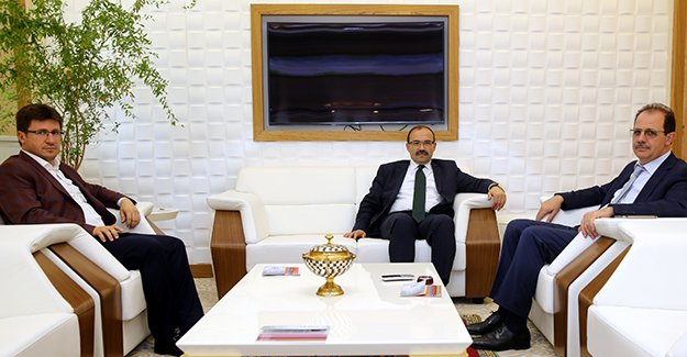 Vali Ustaoğlu, Bayburt Üniversitesi'ni ziyaret etti