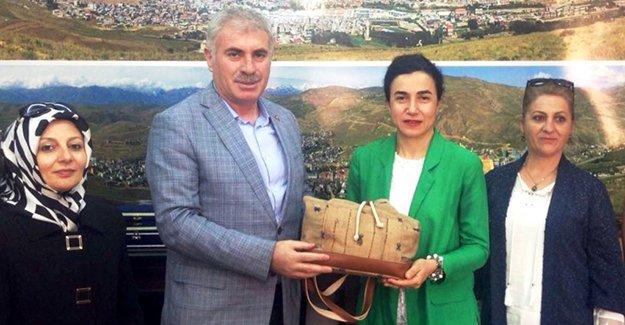 Bayburt Kızılay'dan Başkan Memiş'e ziyaret