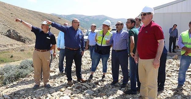 Vali Ustaoğlu, sulama göleti inşaat alanlarını inceledi