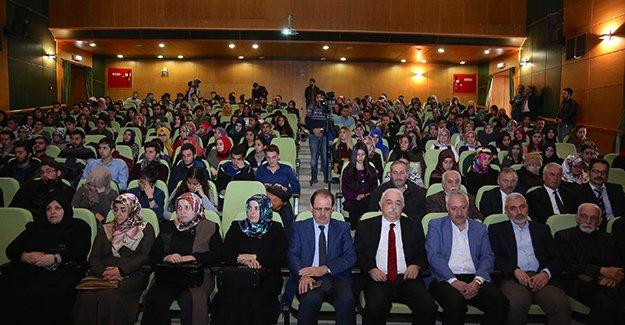 Bayburt'ta 'Kur'an, Kainat ve İnsan' konferansı
