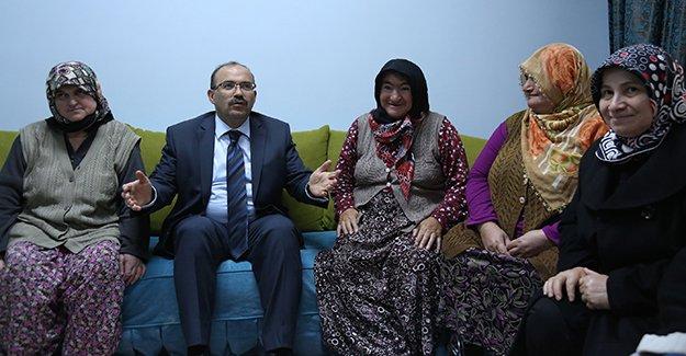 Vali Ustaoğlu, Engelsiz Yaşam Merkezini ziyaret etti