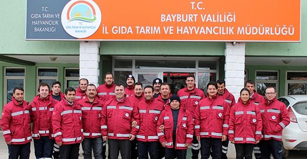 Bayburt'ta saha çalışanlarına ekipman desteği