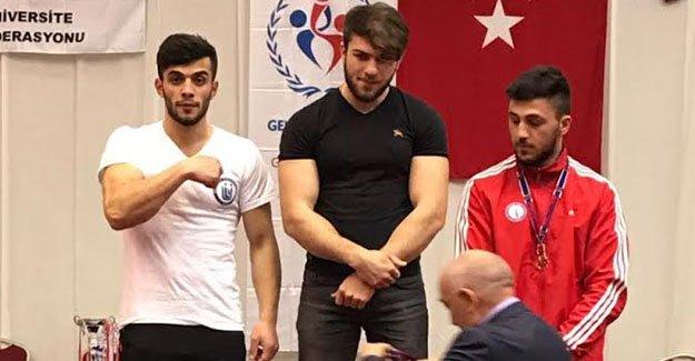 Bayburt Üniversitesi öğrencisinden Türkiye ikinciliği