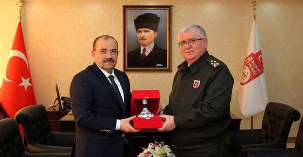 Korgeneral Kalkan, Vali Ustaoğlu'nu ziyaret etti