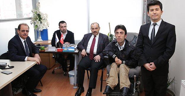 Vali Ustaoğlu'ndan engelli çalışanlara ziyaret