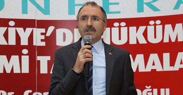 """Yavilioğlu'dan """"Türkiye'de Hükümet Sistemi Tartışmaları"""" konferansı"""