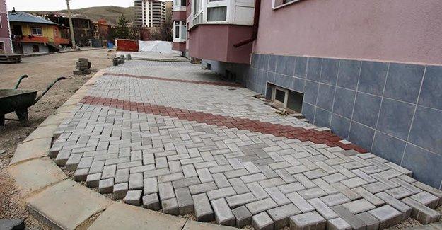 Yeni sezon asfalt ve kaldırım çalışmaları başladı