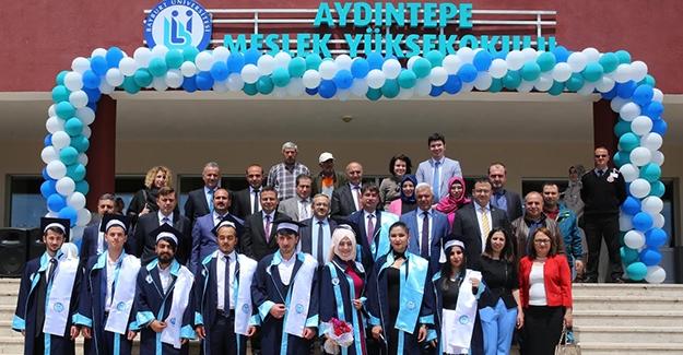 Aydıntepe Meslek Yüksekokulu'nda ilk mezuniyet heyecanı