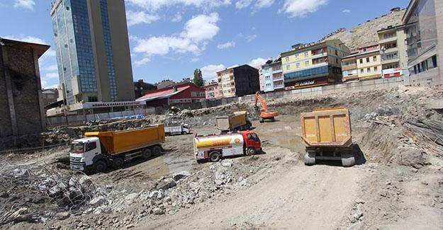 Otopark inşaatları devam ediyor