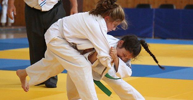 Bayburt'ta 15. Karadeniz Judo Turnuvası