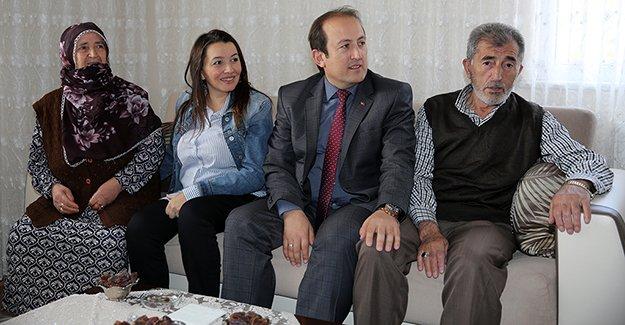 Pehlivan'dan şehit ailesine ziyaret