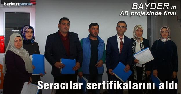 BAYDER'in kursiyerleri sertifikalarını aldı