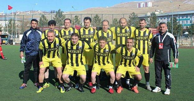 Veteranlar, futbola heyecan getirdi