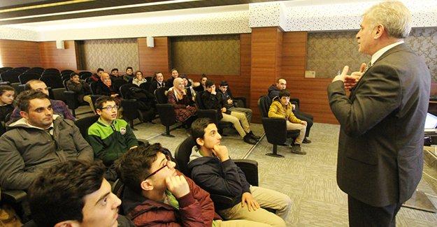 Aile Yaşam Merkezi'nden öğrencilere motivasyon semineri
