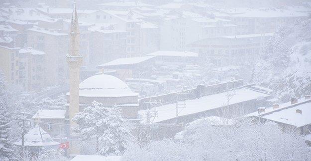 Bayburt, Gümüşhane ve Ordu'da kar yağışı