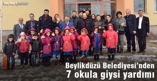 Beylikdüzü Belediyesi'nden okullara yardım