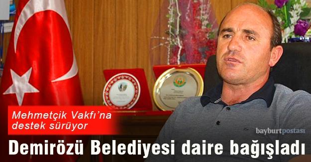 Demirözü Belediyesi'nden Mehmetçik Vakfı'na bağış