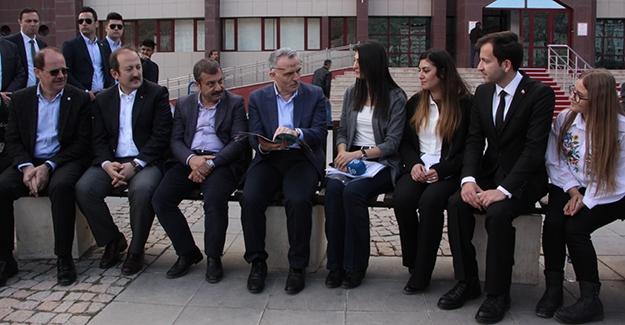 Bakan Ağbal, üniversite dergisine röportaj verdi