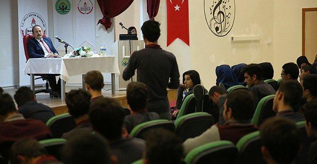 Vali Pehlivan'la 'Gençlerle Yeni Ufuklara'