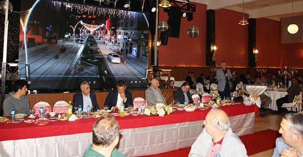 Başkan Memiş, belediye personeli ile iftar yaptı