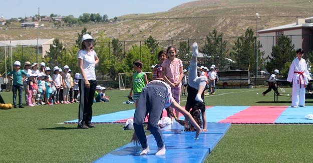 Yaz spor okulları coşkuyla açıldı