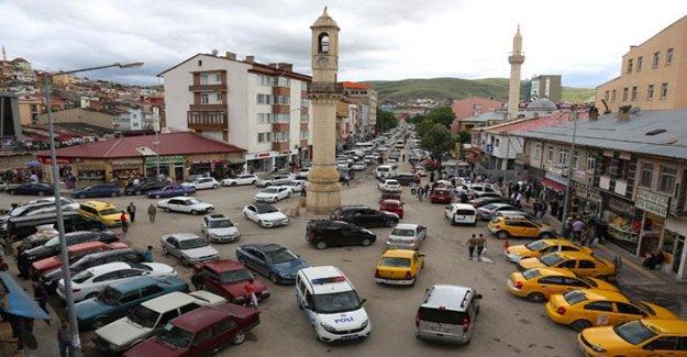 Bayburt'ta trafiğe kayıtlı araç sayısı 15 bin 245